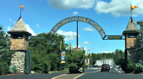 Canobie Lake Park Entrance