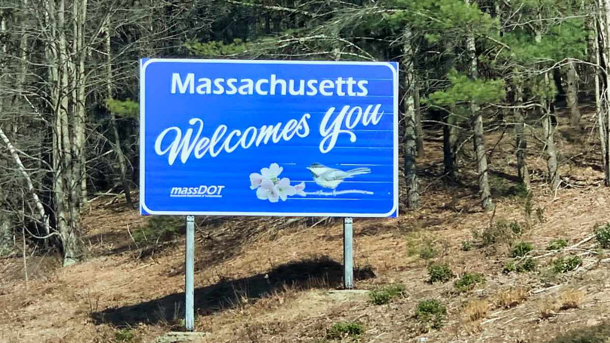Massachusetts Welcome Desktop